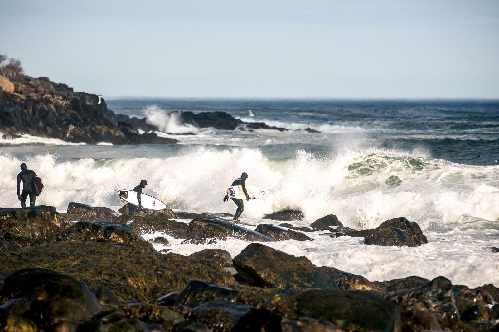 Il faut bien comprendre les subtilités de chaque spot pour être en mesure de choisir où surfer. Quand vous nous voyez regarder l'horizon un café entre les mains, ce n'est pas seulement pour faire beau à la caméra, on analyse notre terrain de jeu.