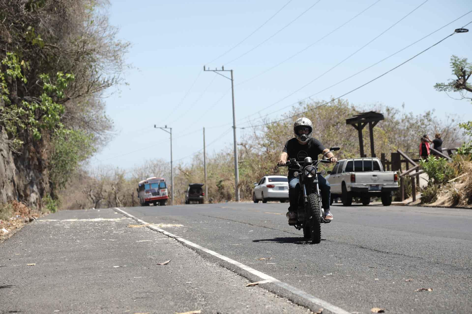 Olivier Dubois moto El Salvador