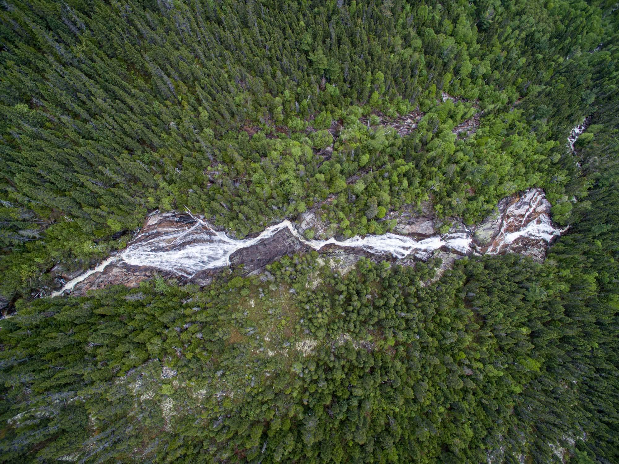 Rapides sur la rivière Malbaie